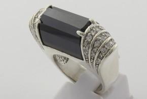 Сребърен пръстен с циркони SM0037
