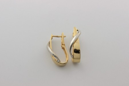 Дамски обеци от бяло и жълто  злато  -5,37   грама, дължина на обеците 29 мм., ширина 7  мм.