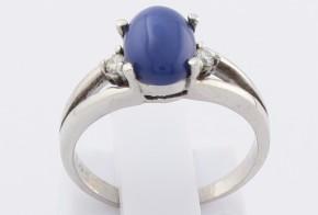Дамски пръстен от бяло злато със сапфир и диаманти D2037