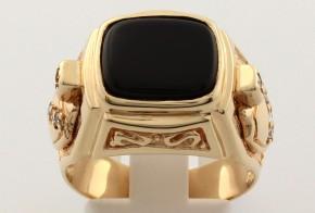Мъжки пръстен от жълто злато с оникс и циркони MD0052