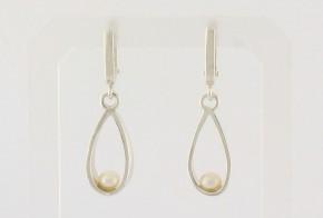 Сребърни обеци с перли SO0065