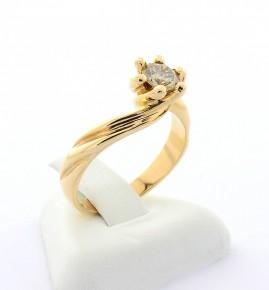 Годежен пръстен от жълто злато с диамант DDI0091