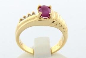 Дамски пръстен от  жълто злато с диаманти  и рубин  D962