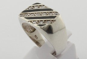 Сребърен пръстен с циркони SM0038