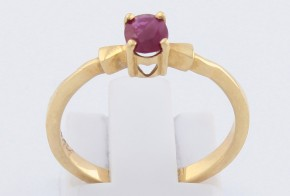 Годежен пръстен от жълто злато с рубин D1114
