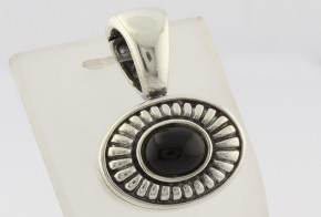 Сребърна висулка с оникс CSD0042
