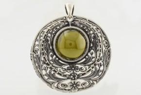 Сребърен медальон със зелен турмалин CSD0015