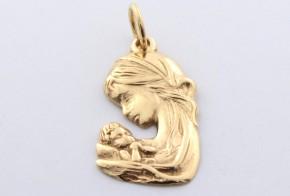 Златна висулка от   жълто злато  V0035