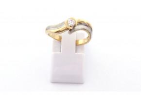 Годежен пръстен от жълто и бяло  злато с диамант D3055